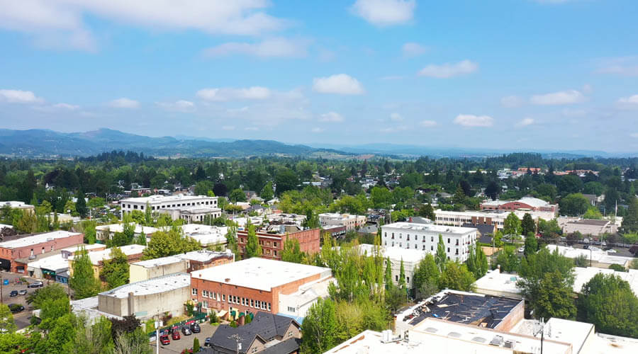 downtown mcminnville in oregon